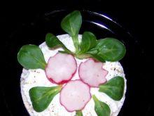 Twarożek wiosenny na waflu ryżowym