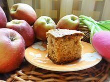 Ucierane ciasto z jabłkami