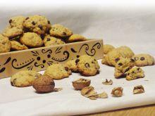 Ucierane ciasteczka z czekoladą i orzeszkami