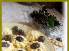 Ucierane ciasteczka z czereśniami