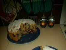 Ucierane ciasto z czarną porzeczką