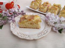 Ucierane ciasto z rabarbarem