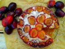 Ucierane cynamonowe ciasto śliwkowe