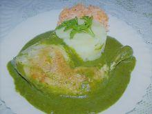 Udka kurczaka w sosie szpinakowym