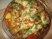 Udka kurczaka z duszonymi warzywami