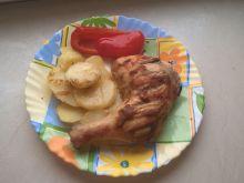 Udka w marynacie pieczone na ziemniakach
