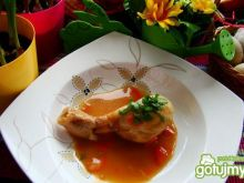 Udka w sosie marchewkowym