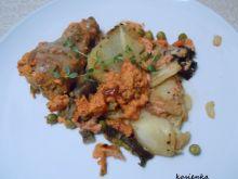 Udka zapiekane na warzywach pod sosem śmietanowym