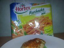 Udko na puree z groszku z karmelizowaną marchewką