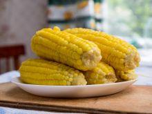 Jak przyrządzić kukurydzę z masłem?