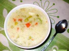 Ulubiona zupa z ryżem i cukinią, serowa