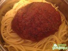 Uniwersalny sos pomidorowy na winie