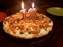 Urodzinowo - świąteczne ciasto marchewkowe
