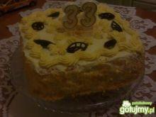 Urodzinowy tort z ajerkoniakiem