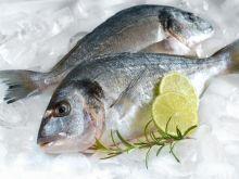 Usuwanie łusek z ryb