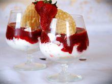 W truskawkowym raju - deser truskawkowy