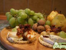 Wafle z serem, gruszką i orzechami