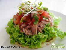 Wafle z tuńczykiem pod pierzynką z salsy