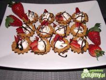 Walentynkowe babeczki z truskawkami