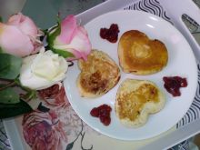 Walentynkowe placki kefirowe nadziewane marmoladą