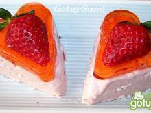 Walentynkowy serniczek z truskawkami
