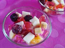 Waniliowa manna z owocami i galaretką