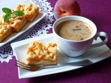 Waniliowe ciasto z morelami i brzoskwiniami