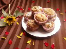 Waniliowe muffinki z brzoskwiniami