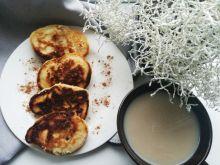 Waniliowe racuchy z ananasem i gruszkami
