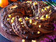 Warkocz makowy z ciasta drożdżowego