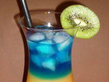 Warstwowy drink z rumem