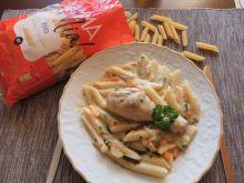 Warzywa i kurczak w sosie śmietanowym