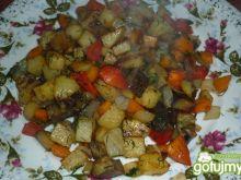 Warzywa na patelnię z bakłażanem