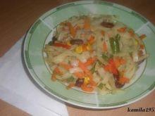 warzywa z ryżowym makaronem
