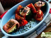Warzywa zapiekane w szynce z czarnuszką