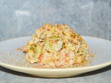 Warzywna sałatka z tortellini