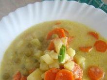 Warzywna zupa z zielonym groszkiem