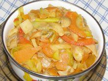 Warzywny gulasz z pieczarkami