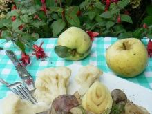 Wątróba duszona w winie z jabłkami