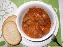Wątróbka drobiowa w sosie pomidorowym