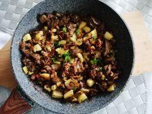 Wątróbka w jabłkach i suszonej cebuli