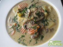 Wegańska zupa pieczarkowa