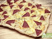 Wegetariańska pizza hawajska