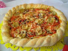 Wegetariańska pizza z chrupiącym brzegiem