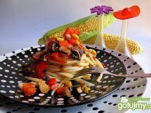 Wegetariańskie spaghetti słodko-kwaśne