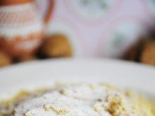 Węgierskie kluseczki z orzechami i cukrem pudrem