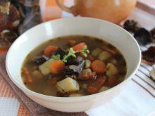 Wiedeńska zupa ziemniaczana z suszonymi grzybami