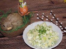 Wielkanocna sałatka ziemniaczana z selerem