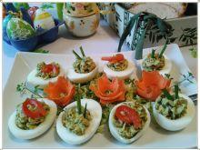 Wielkanocne jajka faszerowane porem