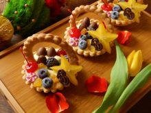 Wielkanocne kosze z owocami